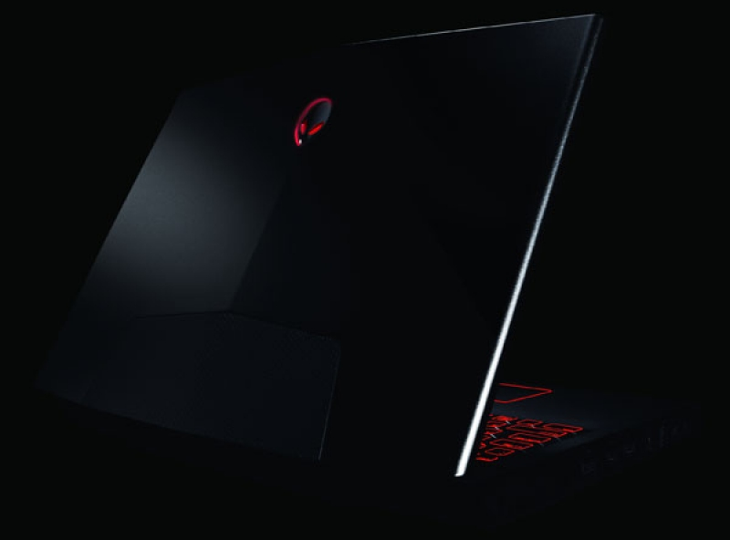 Alienware-M17x-Black-1