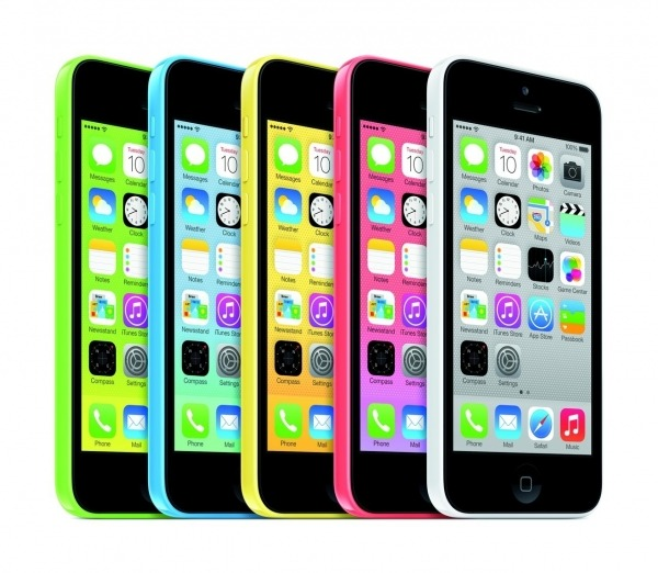 Apple taglia la produzione di Iphone 5C: flop o marketing?