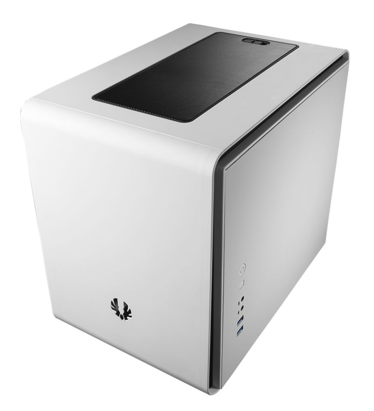 BitFenix Phenom mini-ITX 01