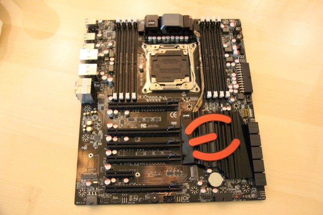 Linea EVGA: X99 Classified, X99 FTW e X99 Micro
