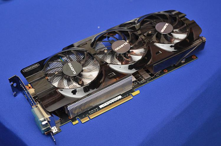 GIGABYTE GeForce GTX Titan WindForce 3X in foto