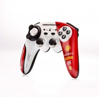 F1WirelessGamepadFerrari150Italia_AlonsoEd_Product